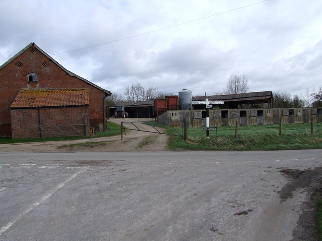Farm Buildings, Low Common