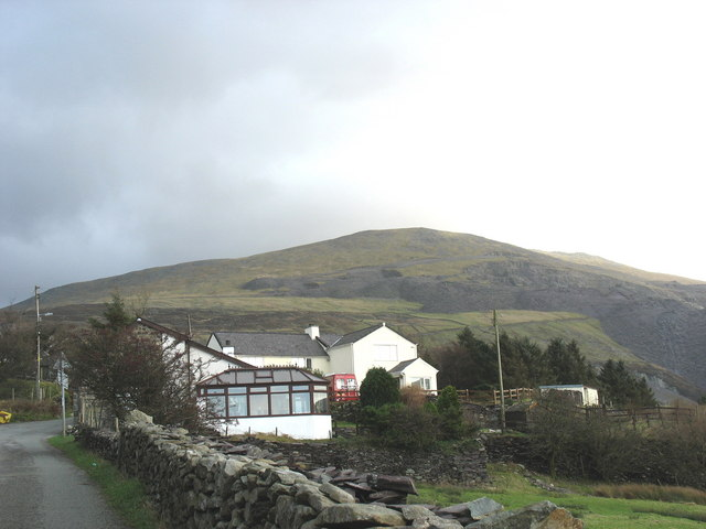 Houses at Chwarel Goch