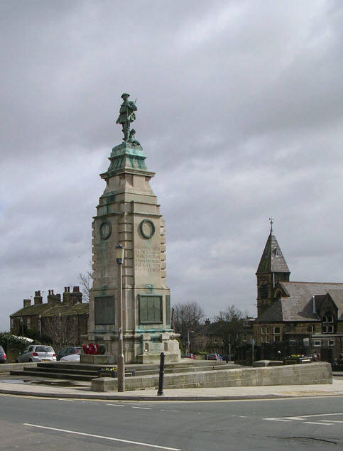 Pudsey Cenotaph, Chapeltown