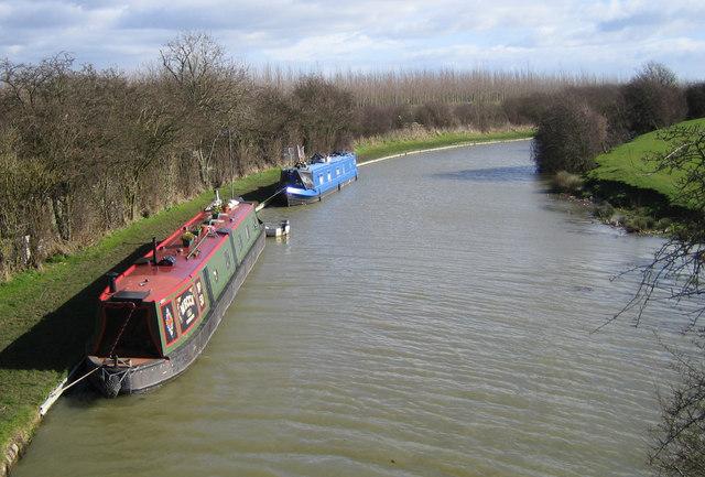 Grand Union Canal and London - Birmingham Railway line