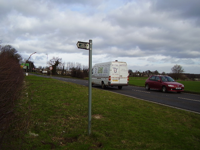A footpath crosses the A 6121 at Ryhall