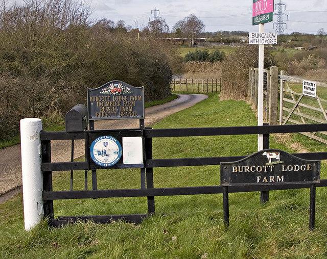 Burcott Lodge Farm Entrance