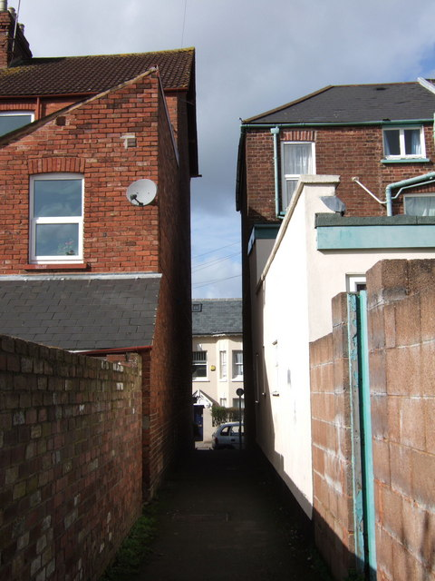 Alley off Old Tiverton Road