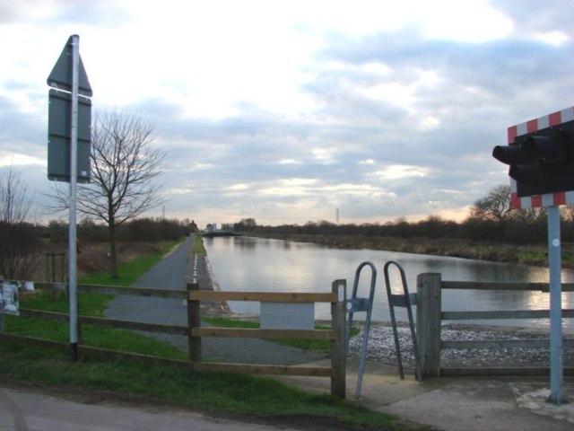 New Junction Canal between Kirk lane Bridge and Syke House Lock