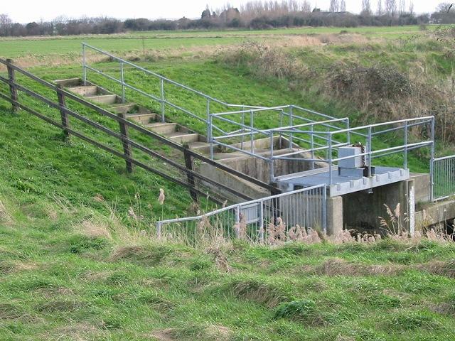 Sluice on New Cut, North Stream