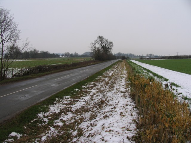 Cotterstock Road towards Oundle