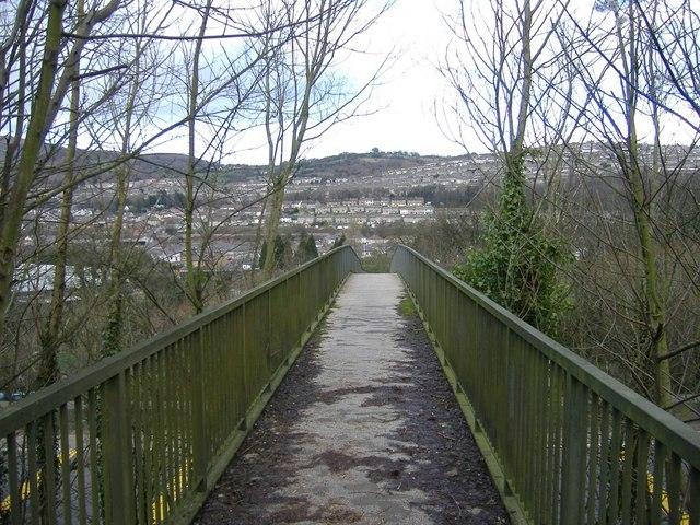 Footbridge across the A467