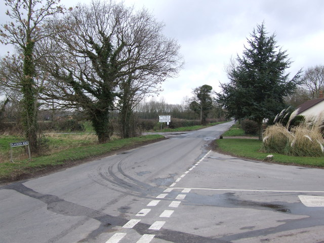 Road Junction at Sneath Common