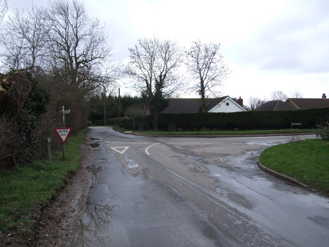 Junction on Bend at Sneath Common