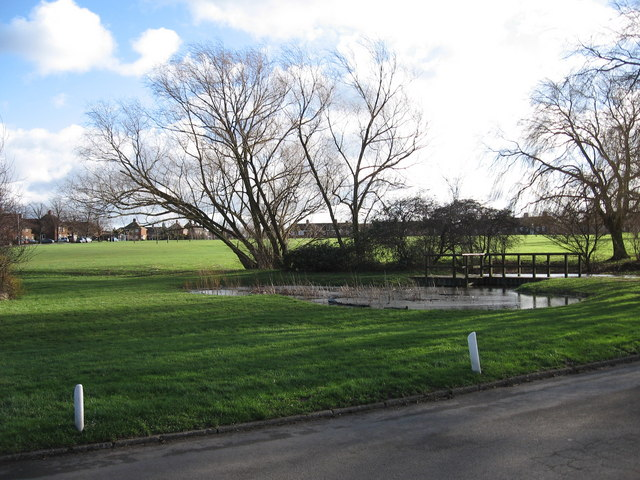 Stewartby Village Green and Pond