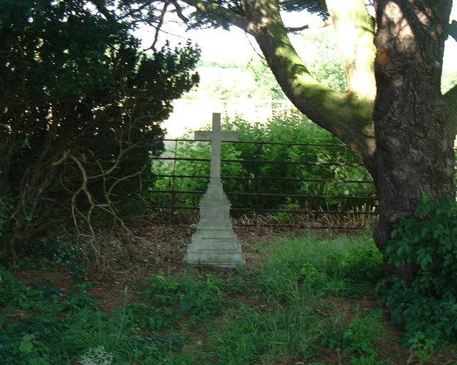 Buttercrambe Churchyard Cross