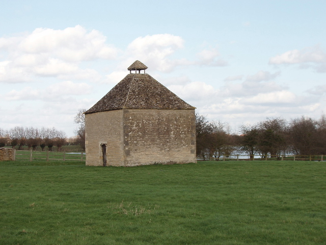 Dovecot of Water Eaton Manor