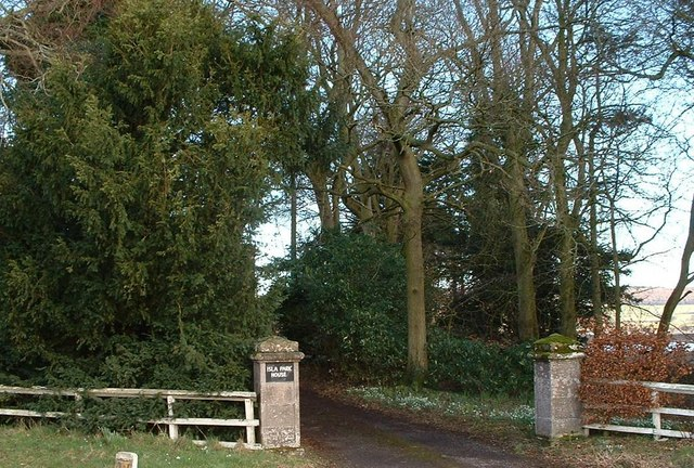 Gateway to Isla Park House A94