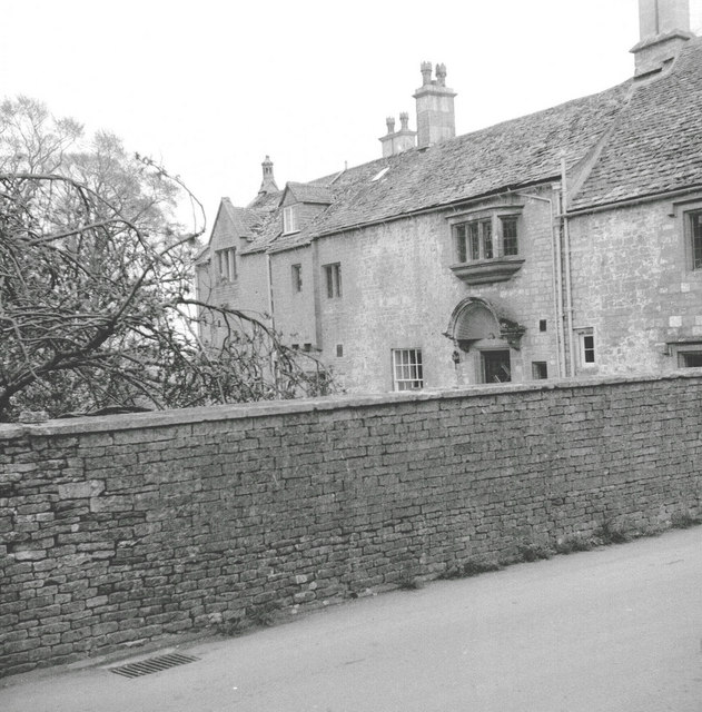 Brimpsfield House
