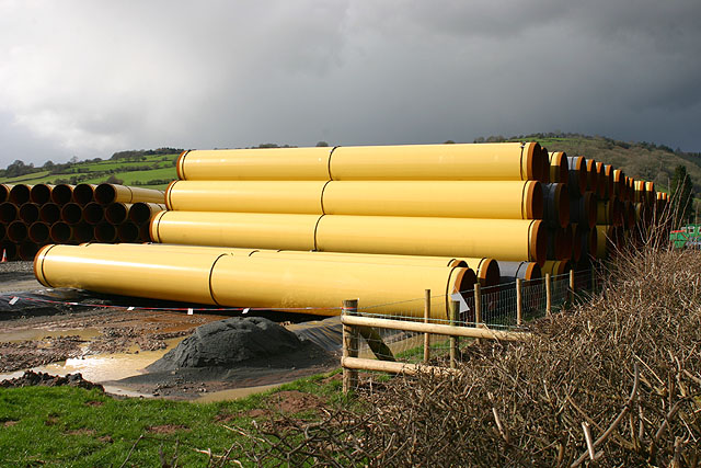 Pipes near Llyswen