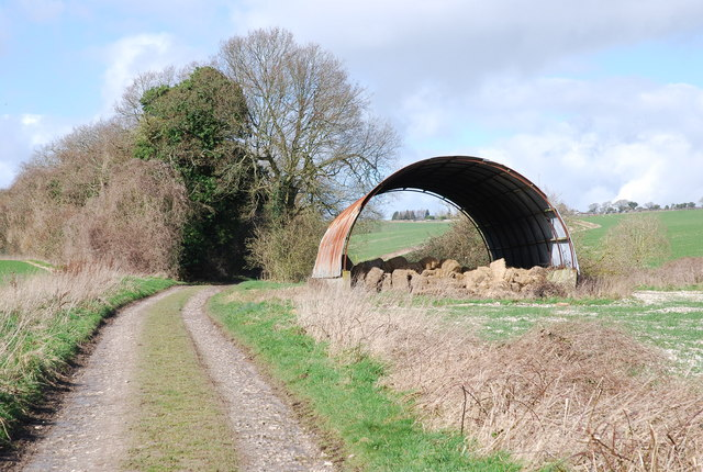 Barn near Grim's Ditch