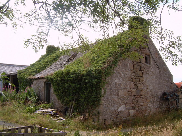 Derelict farm cottage, Logiemuir, nr Pitmedden