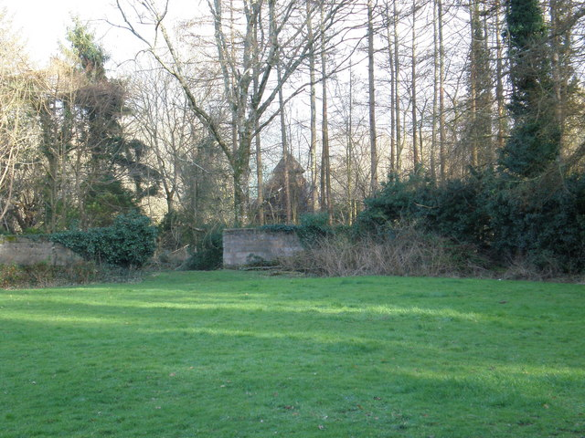 Other end of gardens, looking towards Dovecot.