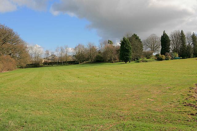Grounds of Breach House seen from Wayfarer's Walk