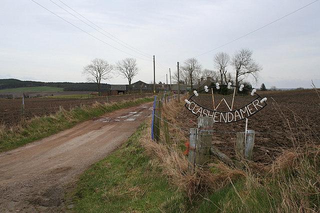 Sign on the lane to Clashendamer
