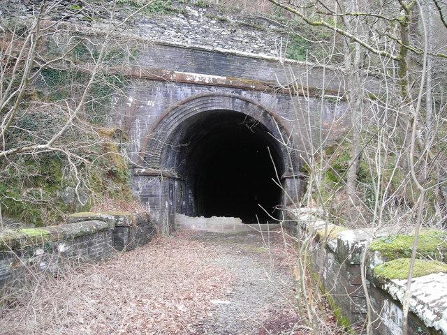 Dinas tunnel