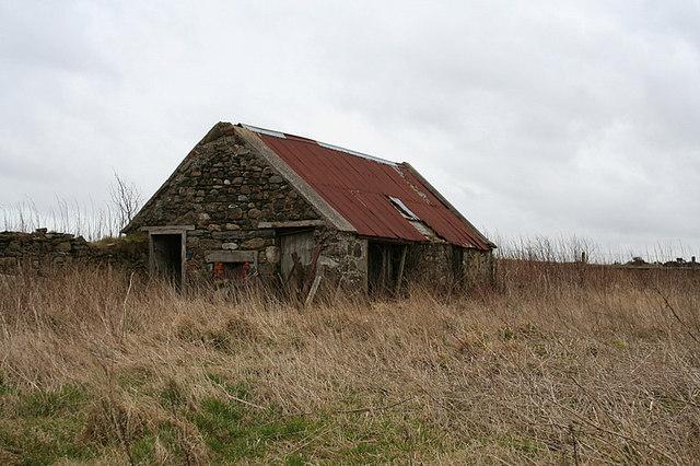 Abandoned dwelling near Pointsfield