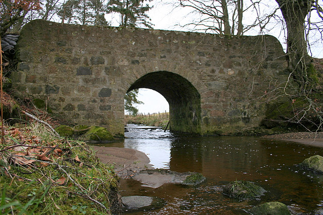 Bridge over the Crombie Burn by the castle.