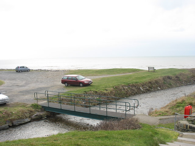 A footbridge over the estuary of Afon Desach