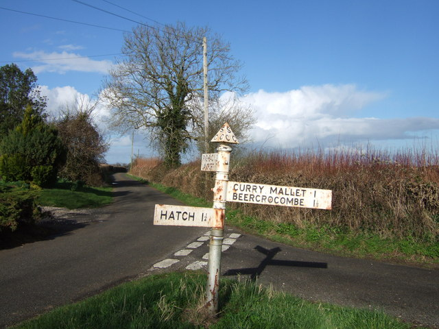 Lane junction near Crimson Hill