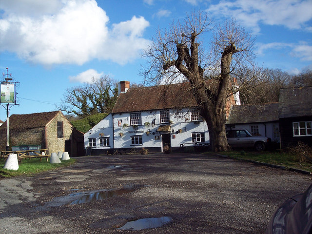 The Cricketers, Duncton