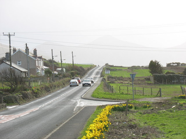 The narrow Aberdesach stretch of the A499