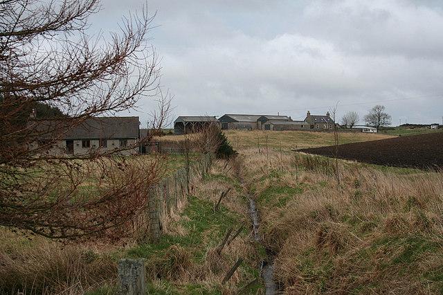 Reidside Burn and houses at Cormickhillock