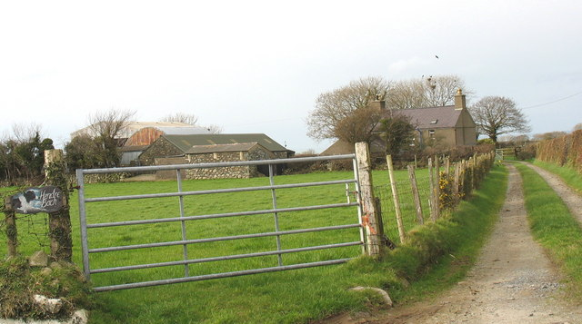 The entrance to Fferm Hendre Bach