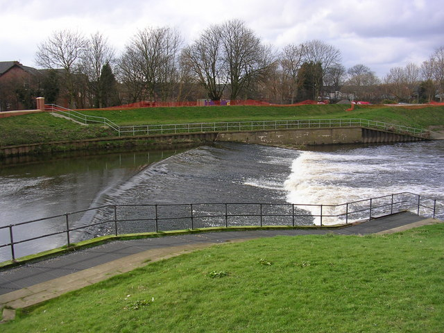 River Mersey at Northenden Weir and Salmon Ladder