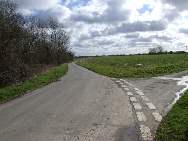 Lanes meeting near Boyland Common