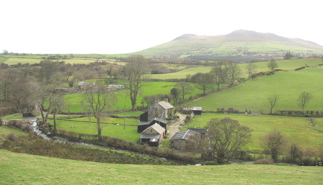 Fferm Pant Afon and  the old water-mill at Felin-faesog from the road