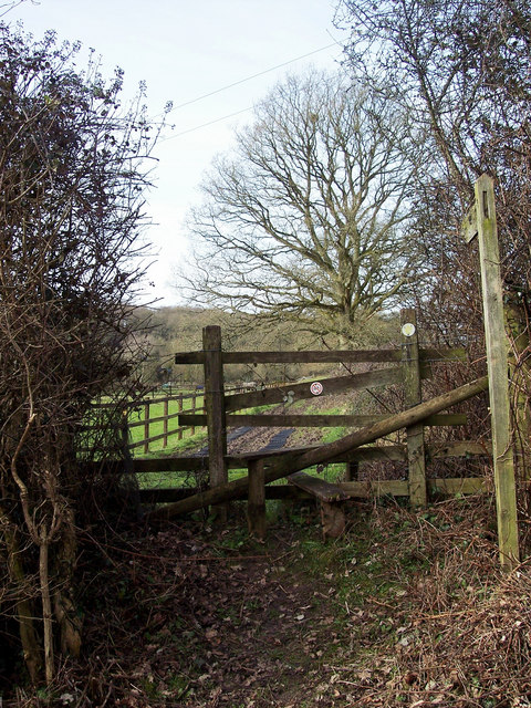 Stile and footpath sign, Godshill