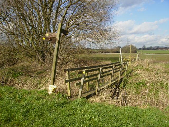 Footbridge at the path junction across Ings Beck