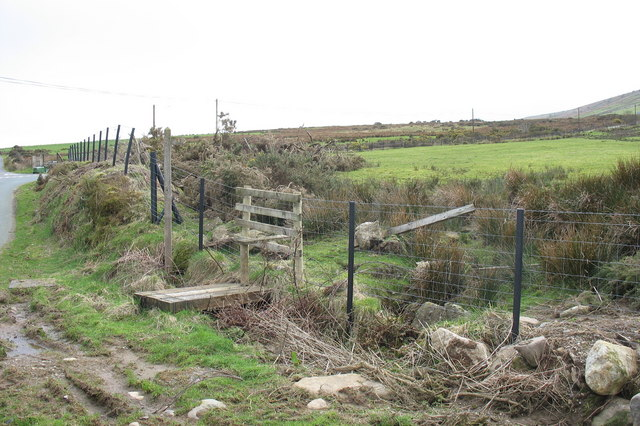 Footbridge and stile at the beginning of the Bron-yr-erw path