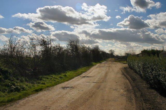 Bridleway to Flint Hall Farm