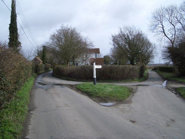 Parting of Ways at Marlpits near Ninfield