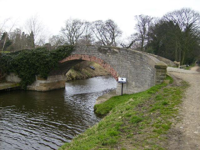 Ripon Canal bridge near to Grange Farm