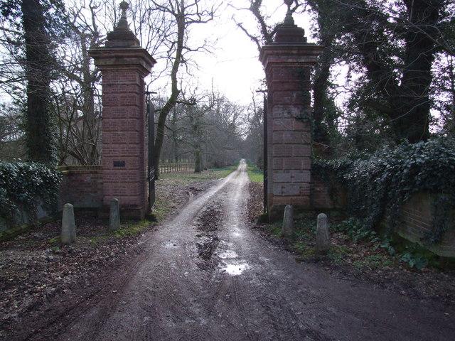Gateway and Drive to Rainthorpe Hall