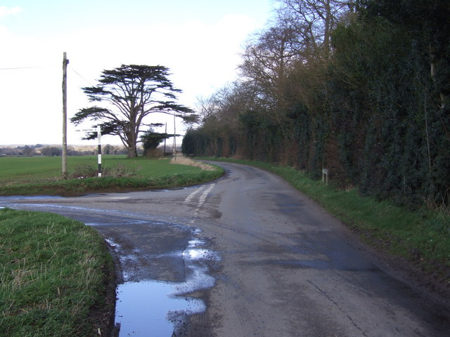 Junction looking North towards Hollies Farm