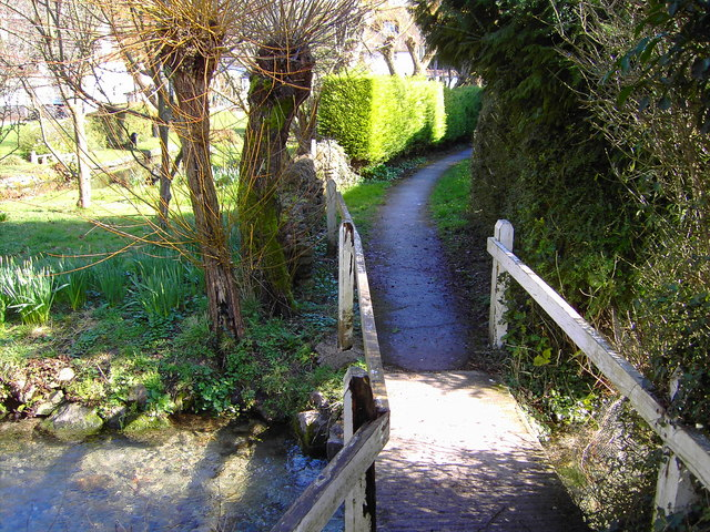 Footpath, south of pond, Bishopstone, Swindon