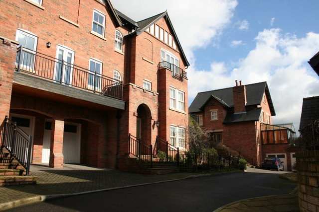 Stanthacket Court