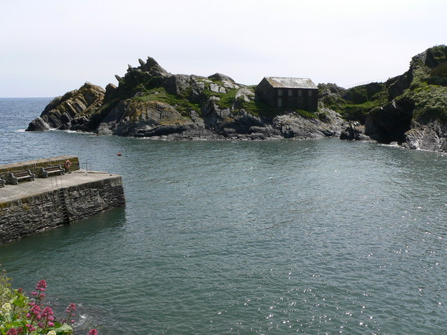 Polperro Harbour entrance