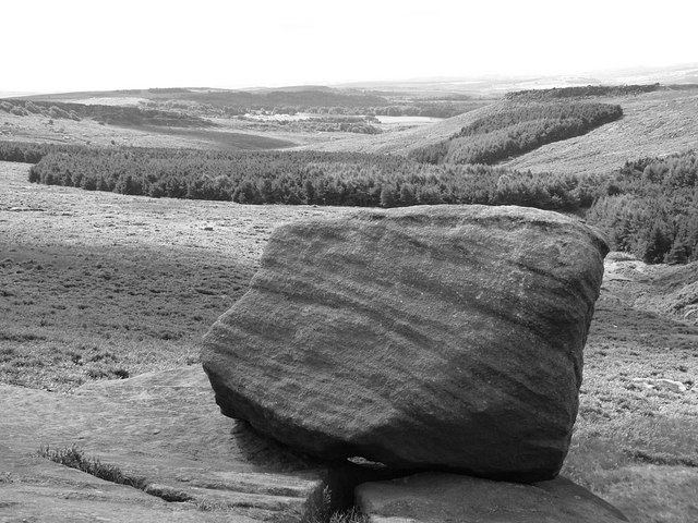 Burbage Rocks looking towards Carl Wark