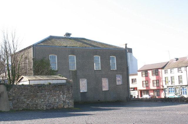 Pendref, Eglwys yr Annibynwyr, Stryd Bangor