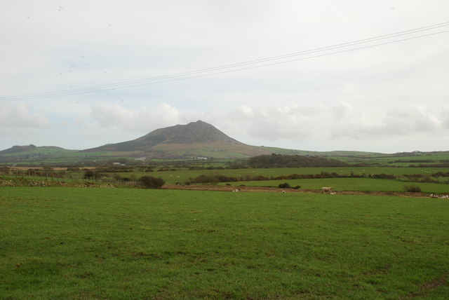 Farmland near Hirdre looking towards Garn Fadryn